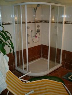 Multifunktionsdusche für eine Sauna